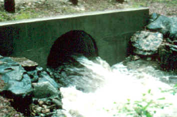 Roadway culvert operating with free discharge